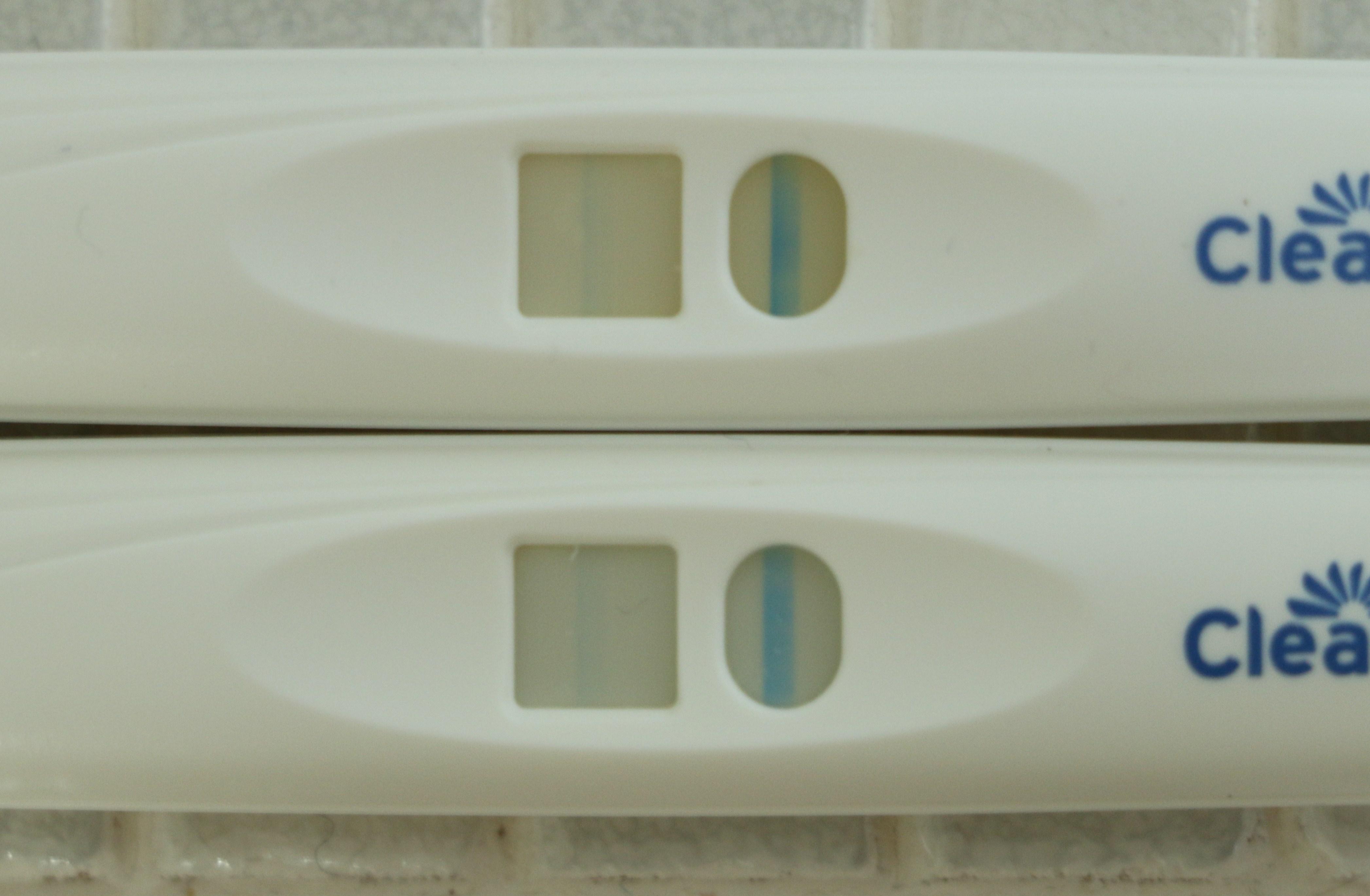 薄い クリアブルー 陽性 クリアブルーフライング検査陽性画像。流産した時と出産した時を見比べる。